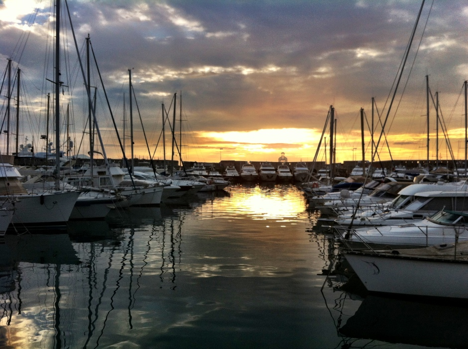 Port Vauban (Antibes) in the early morning